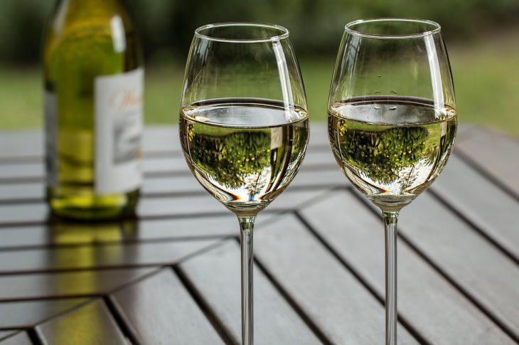 vino bianco del piemonte