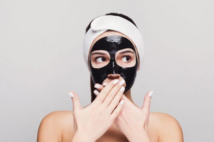 I vantaggi della black mask per eliminare i punti neri